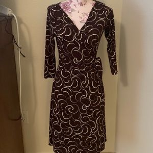 EUC Dressbarn brown & white midi wrap dress-